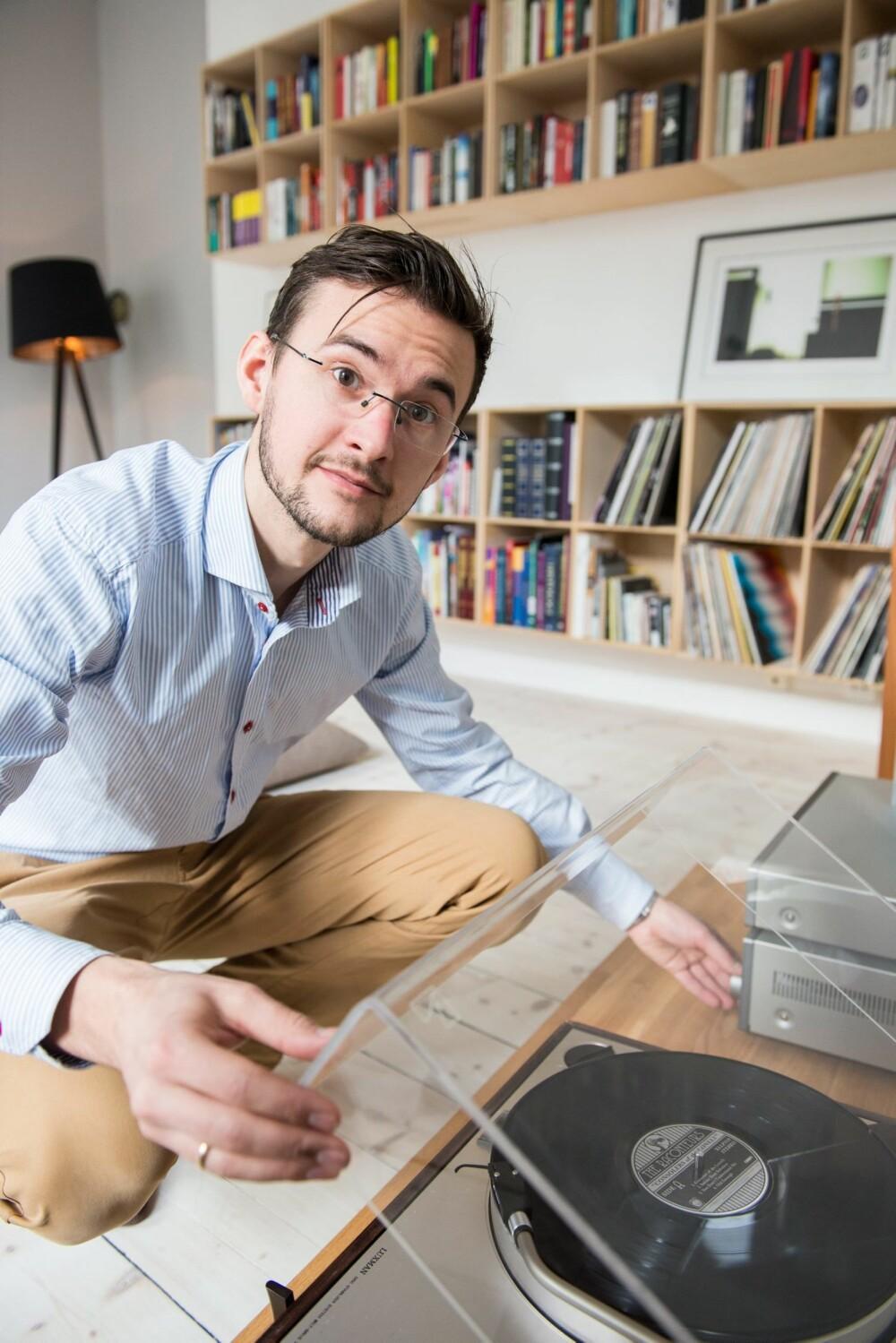 SVERGER TIL VINYL: Når Torbjørn skal lytte til musikk, foretrekker han å sette på en plate.