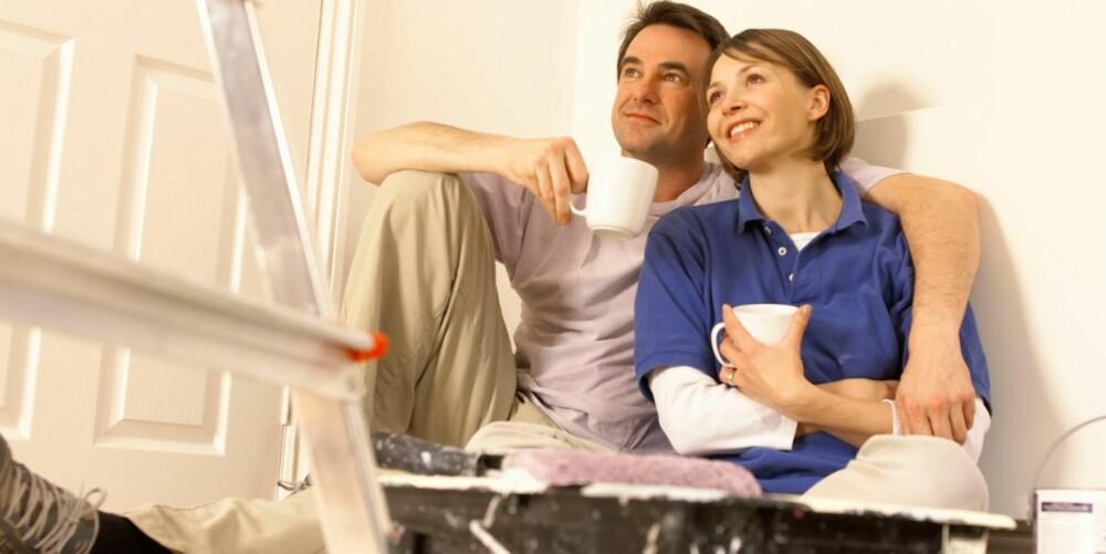 OPPUSSINGSGLEDE MED SKJULT BISMAK: Gleden over en nymalt stue kan fort forsvinne når det viser seg at det var kjelleren man egentlig skulle prioritert.