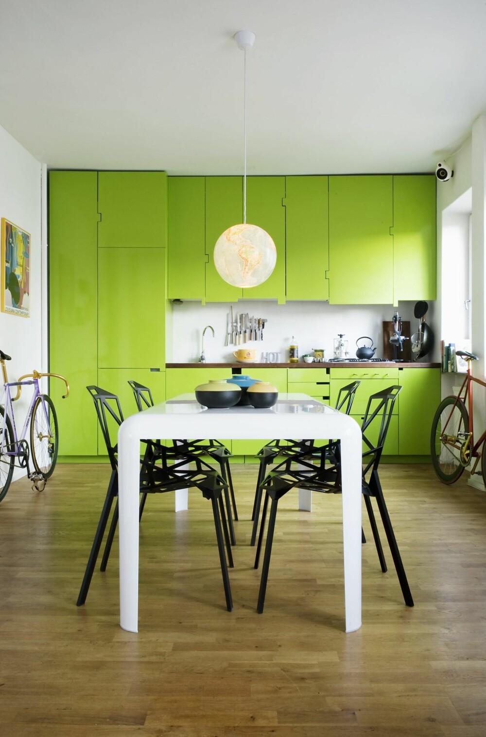 UNNGÅ GRØNN SPISESTUE: Den grønne fargen roer nervene. Dersom du har en stresset hverdag og vil slappe av, kan grønt hjelpe. Men fargen kan visstnok få samtaler til å stilne, og er derfor ikke ideell ved festlig lag.