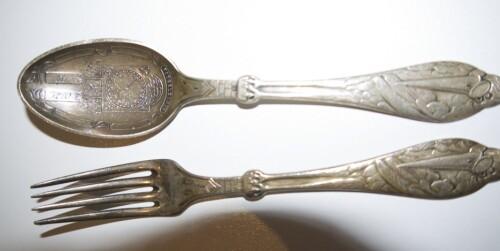FØR: Skittent sølvbestikk.