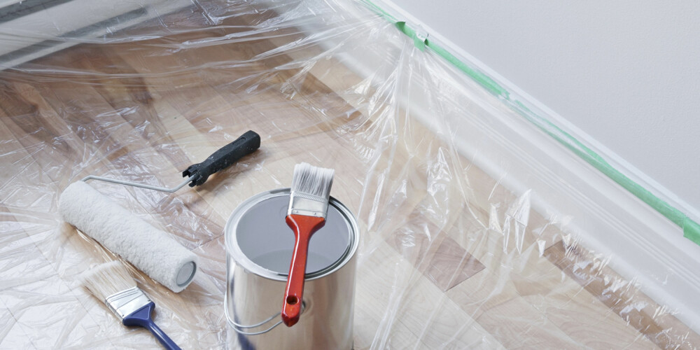 ENKELT TRIKS: Malingslukt er nesten ikke til å unngå når noe skal males.