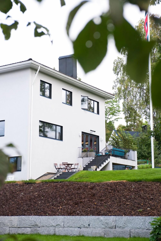 FUNKIS I FORANDRING: Huset har gjennomgått flere endringer siden det ble oppført på 30-tallet. Saltaket er ikke originalt, og nylig har beboerne etterisolert betongkonstruksjonen ved å legge på isoporplater. Åpningen mot terrassen er skiftet ut.
