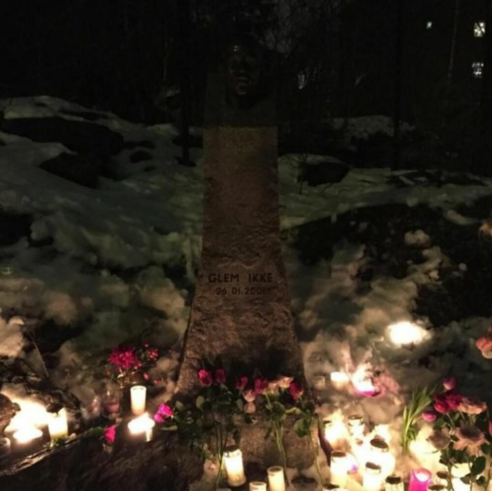 GLEM IKKE: Minnestedet for Benjamin av Oscar Blesson. « Vi hadde mistet en venn, en bror, en sønn, et barn!»