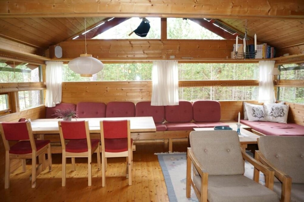 ANNO 1987: Det var ikke blitt gjort mye med hytta i Uvdal siden byggeåret 1987. Hytta er opprinnelig en Bete/Beitski–hytte. (FOTO: Sveinung Bråthen)