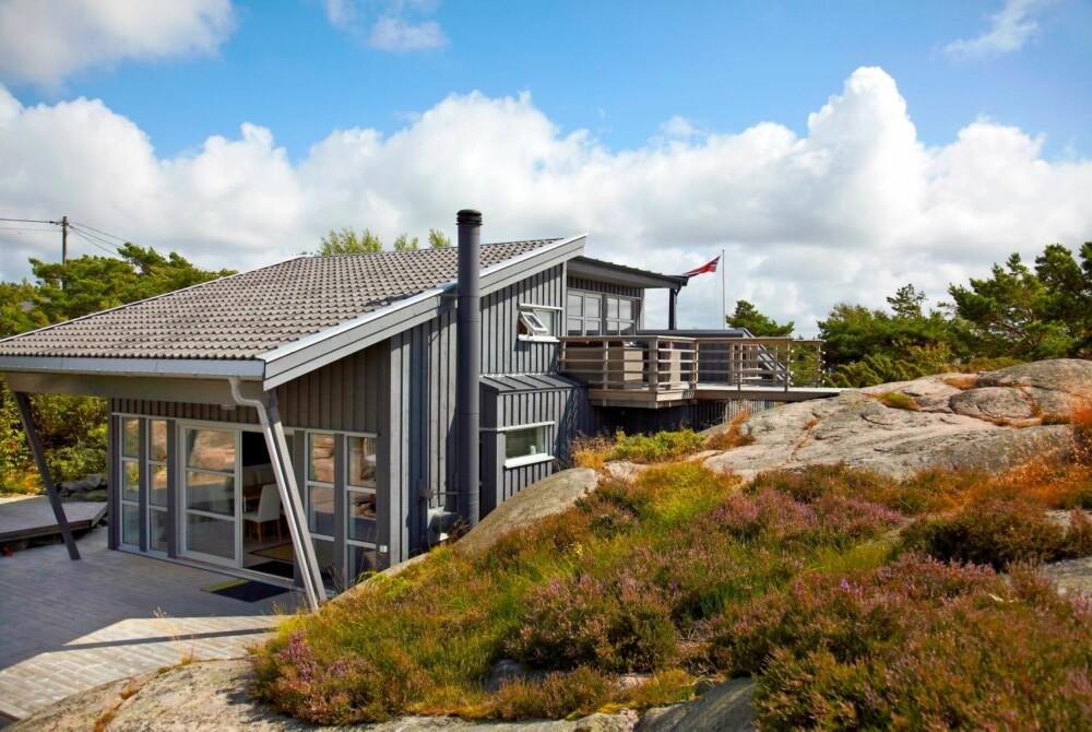 GOD PLAN: De viktigste punktene var å få mer lys inn og å etablere utsikt mot sjøen i vest. Dette oppnådde arkitekten ved å forme hytta med en sammensetting av pulttaksformer. Et pulttak er et tak med fall til bare én side.