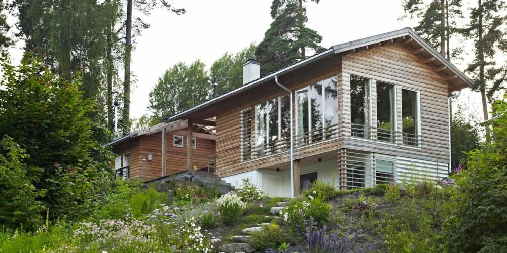 MALMFURU: Både tak og vegger er kledd i malmfuru, som har stor andel kjerneved. Den er naturlig impregnert og tåler vær og vind, selv på utsatte steder.