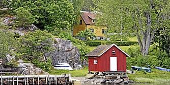 Hytte med strand og brygge til salgs på Nordre Sandøy i Hvaler.