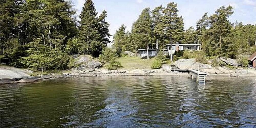 SJØUTSIKT: Landsted med cirka 30 m strandlinje og sandstrand og brygge på Veierland, Nøtterøy. (Prisantydning: 6.500.000,-)