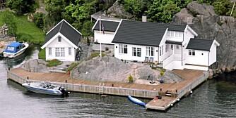 SØGNE: Hytte ved sjøen med eksklusiv innredning. 12 sengeplasser. Pris: 9510 kroner i uka.