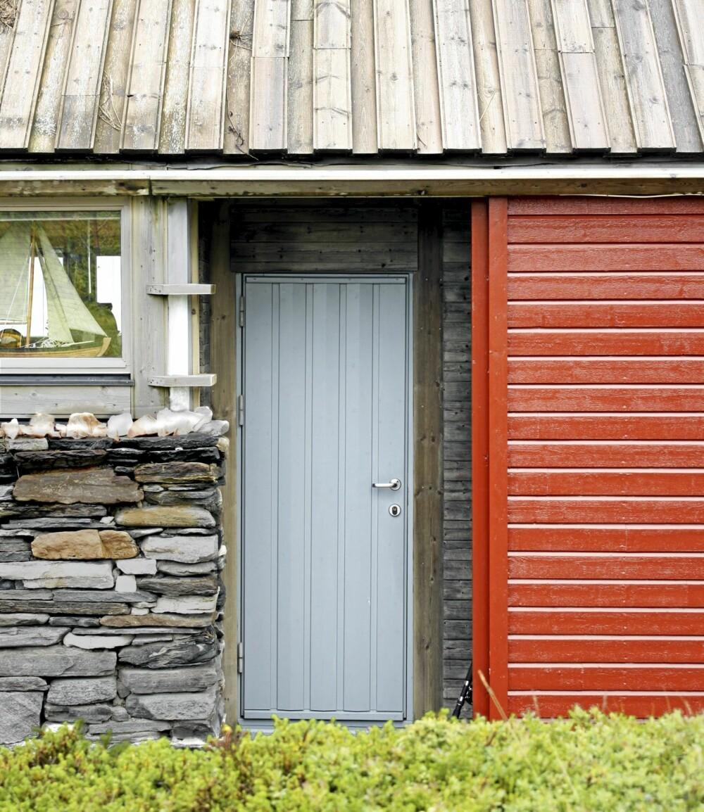 ET LITE STYKKE NORD-NORGE: I inngangspartiet ser du former, farger  og materialer som minner oss om båtnaust og bolighus langs norskekysten.
