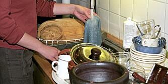 OPPVASK: Husker du den riktige fremgangsmåten for hvordan man vasker opp for hånd?