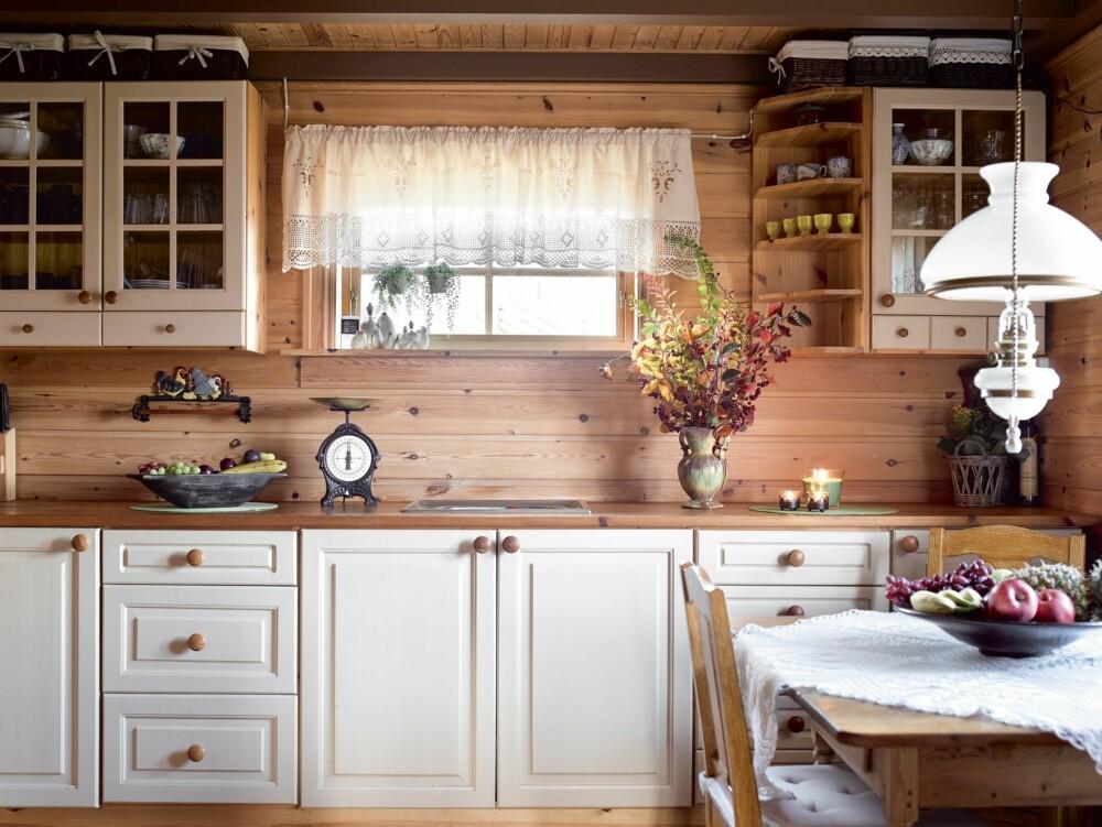 SPESIALLAGET:  Innredningen er laget av en liten bedrift i Isfjorden i Rauma kommune.