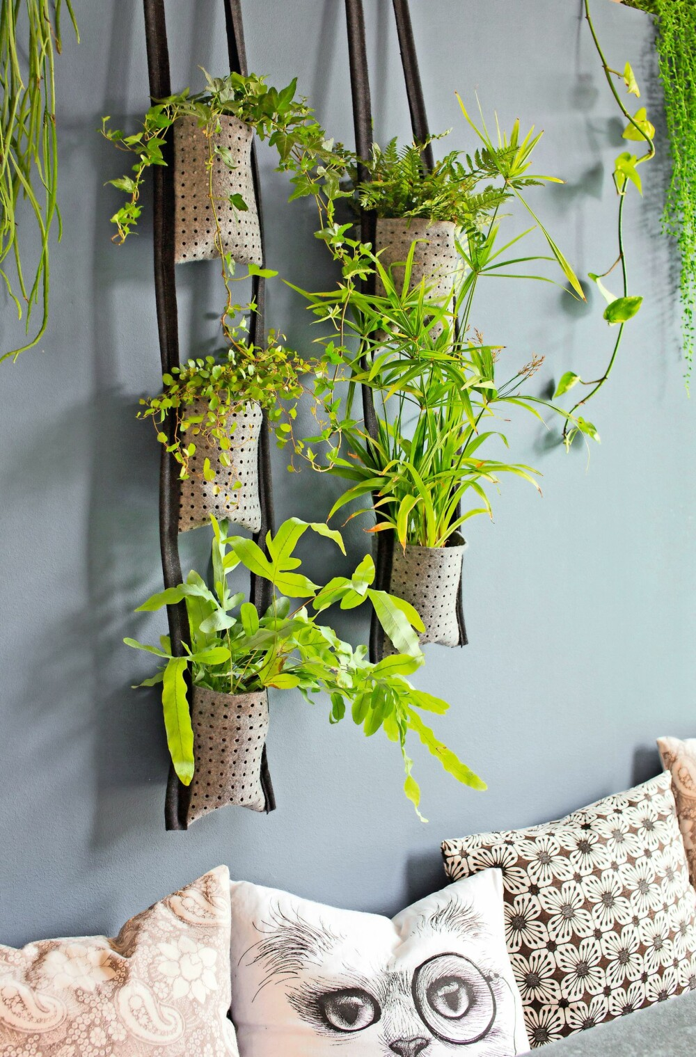 GRØNT: Denne sesongen blir de grønne vekstene å se overalt. Lag fine poser til plantene.