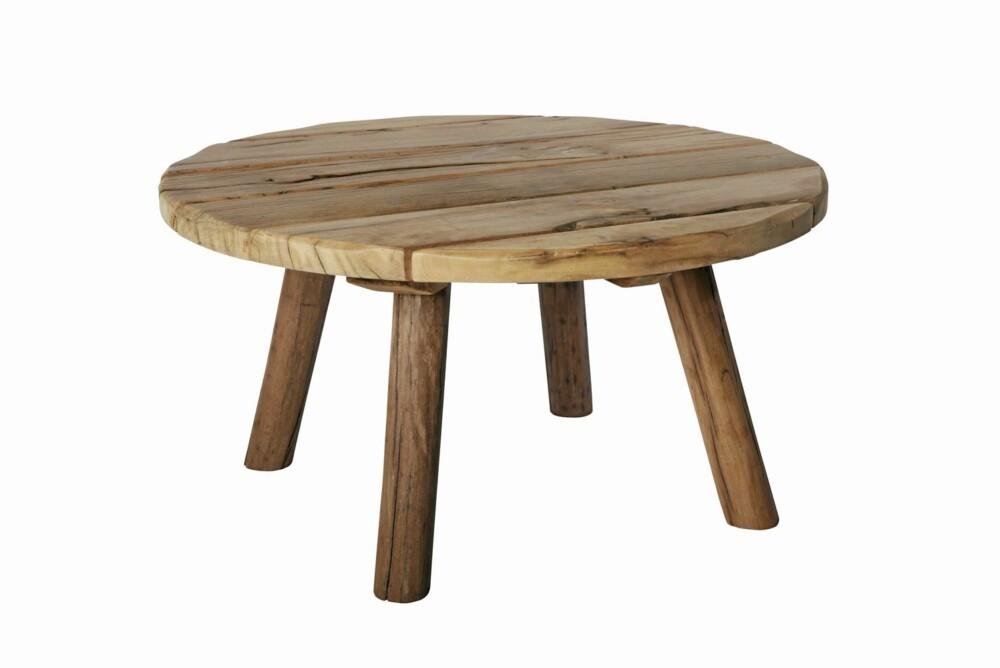 GAMLE MATERIALER: Røft bord i gammelt ubehandlet treverk fra House Doctor.