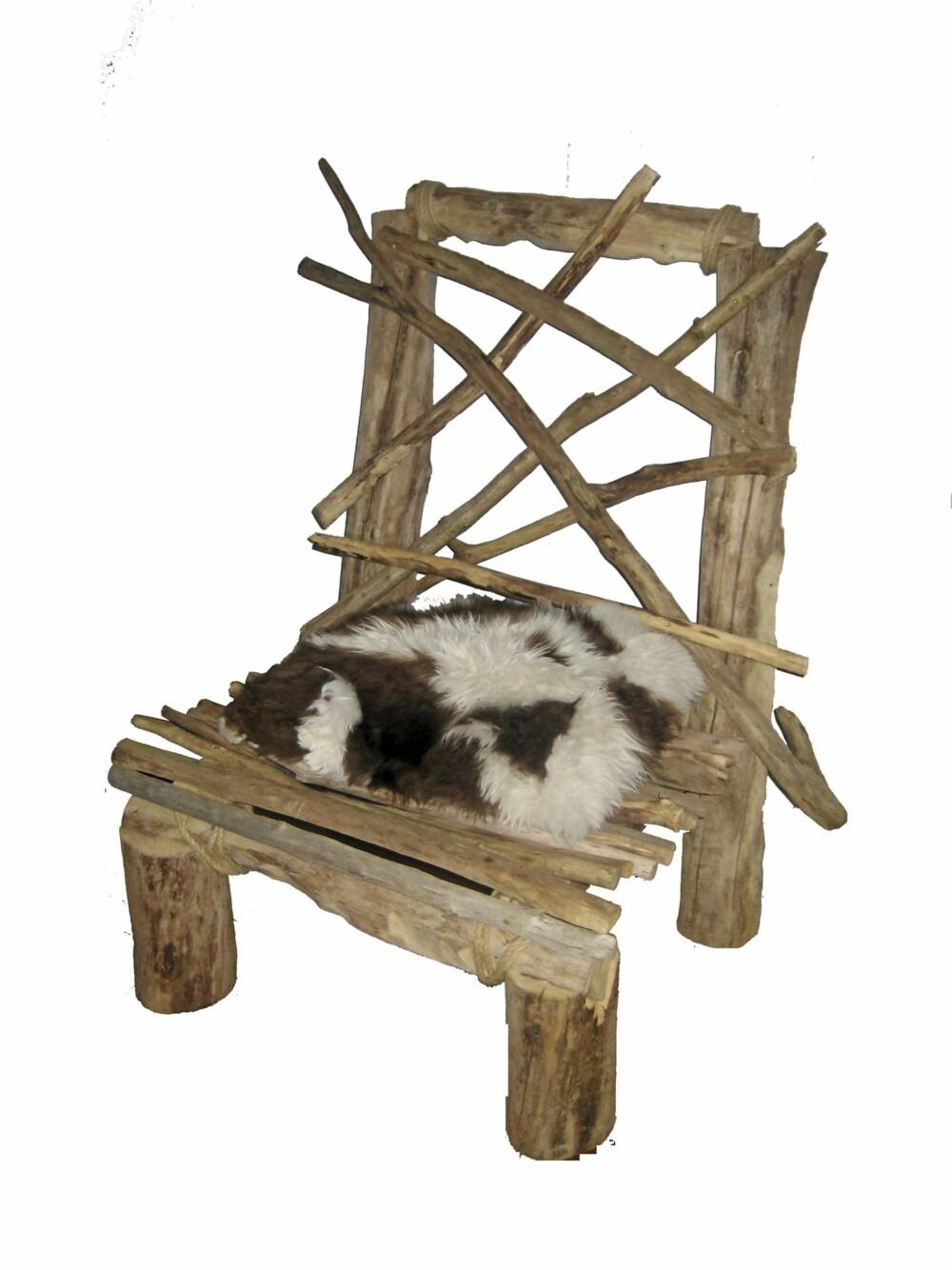DRIVVED: Tøff stol i drivved som kan live opp den maritime stilen på sommerhytta. Fra drivved.no