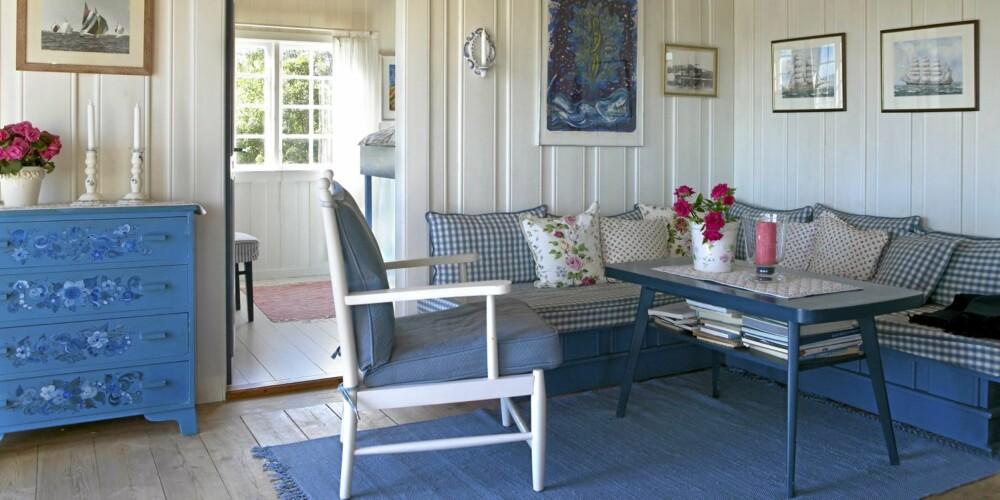 LYST OG MARITIMT: La de store flatene være lyse, og bruk sterkere farger i møblement og tekstiler.