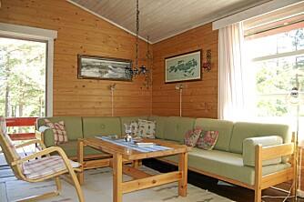 MØRK: Stuen og møblene var blitt mørke etter nesten 40 år.