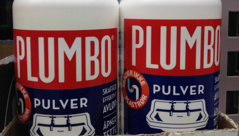 HVORDAN BRUKE PLUMBO: Det er mange av oss som heller Plumbo ukritisk ned i vasken når røret er tett. Men det kan bli kritisk om du ikke tar visse forholdsregler.