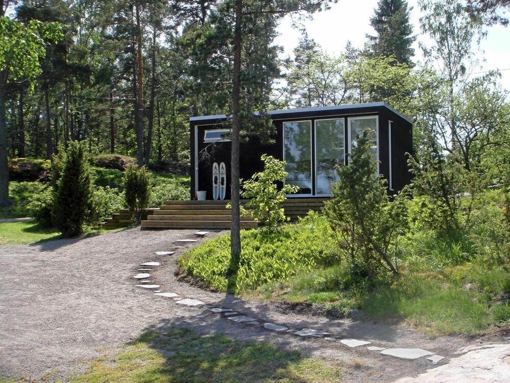 HYTTEIDYLL: Enkelrum-hytte er ikke store i volum, men de kan gi store ferieopplevelser like vel.
