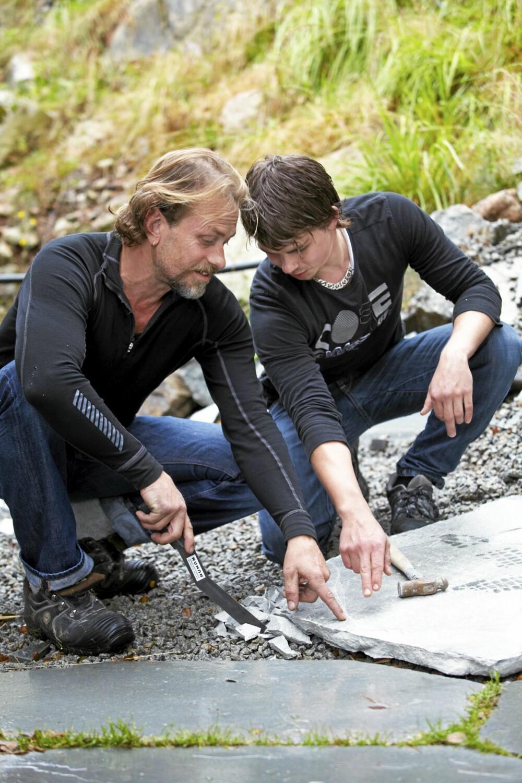 FAR OG SØNN: Runar Gabrielson Bø har fått god hjelp av sønnen Arve Bø. Han går nå i skiferlære hos faren.