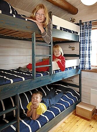 FØR: En maskinlafthytte på 42 kvadratmeter kan fort bli for trang for to voksne og tre barn.