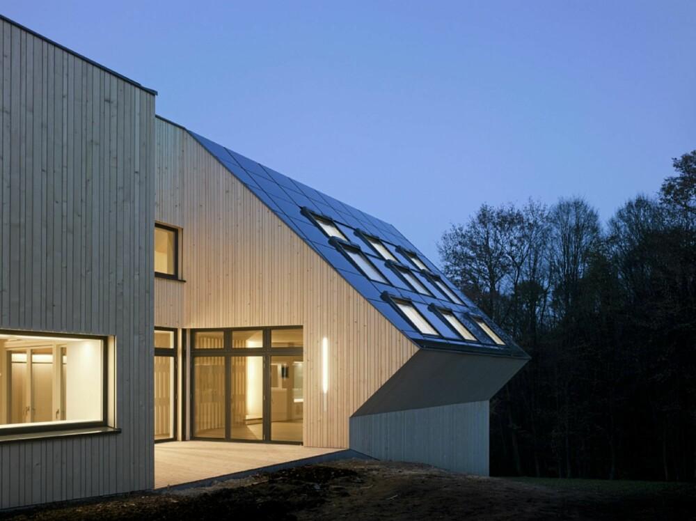 MANGFOLDIG: De mange skråflatene gjør at Sunlighthouse forandrer seg mye fra hvilken side du ser det fra.