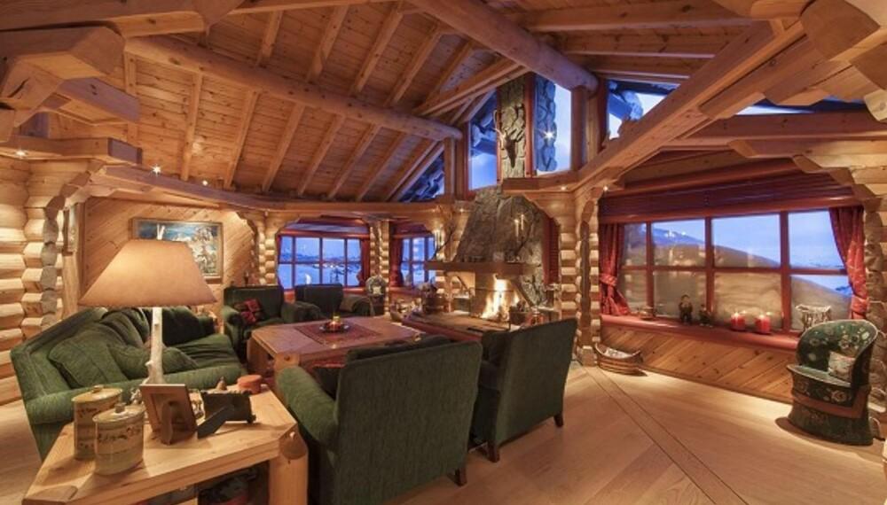 EN AV LANDETS DYRESTE: I Hol kommune i Buskerud er denne hytta til salgs til 19 500 000.