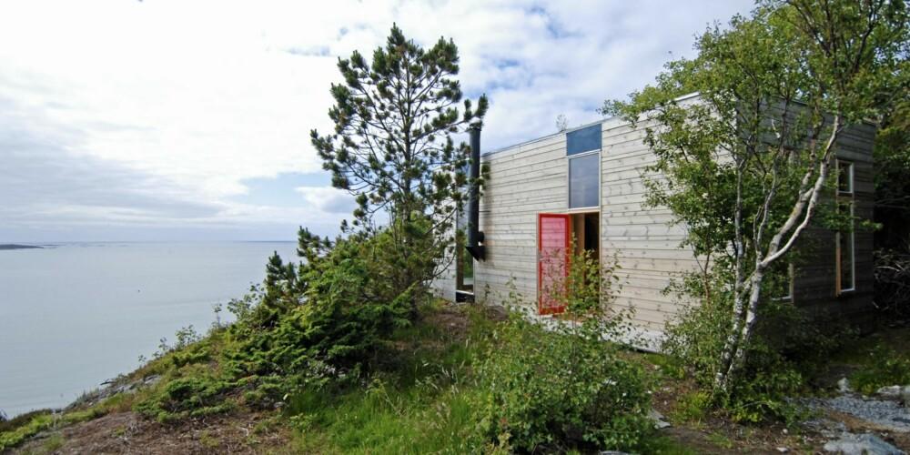 NØKTERNT I HAVGAPET: Ogmund Sørlis hytte er en av flere på et hyttefelt på Stokkøya