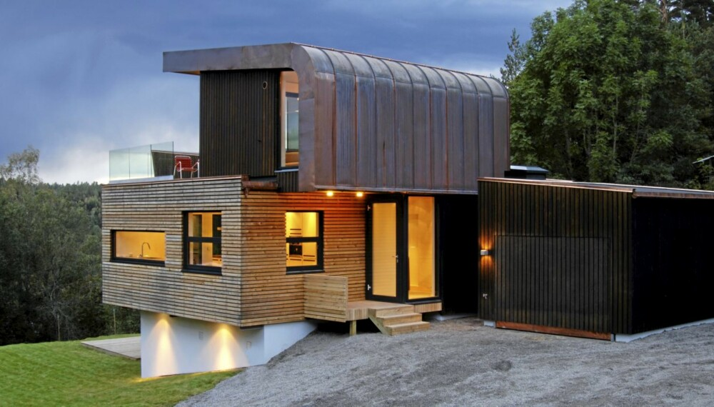 GØY PÅ LANDET: Den arkitekttegnete eneboligen i Enebakk har en himmelsk utsikt over skogkledde åser.