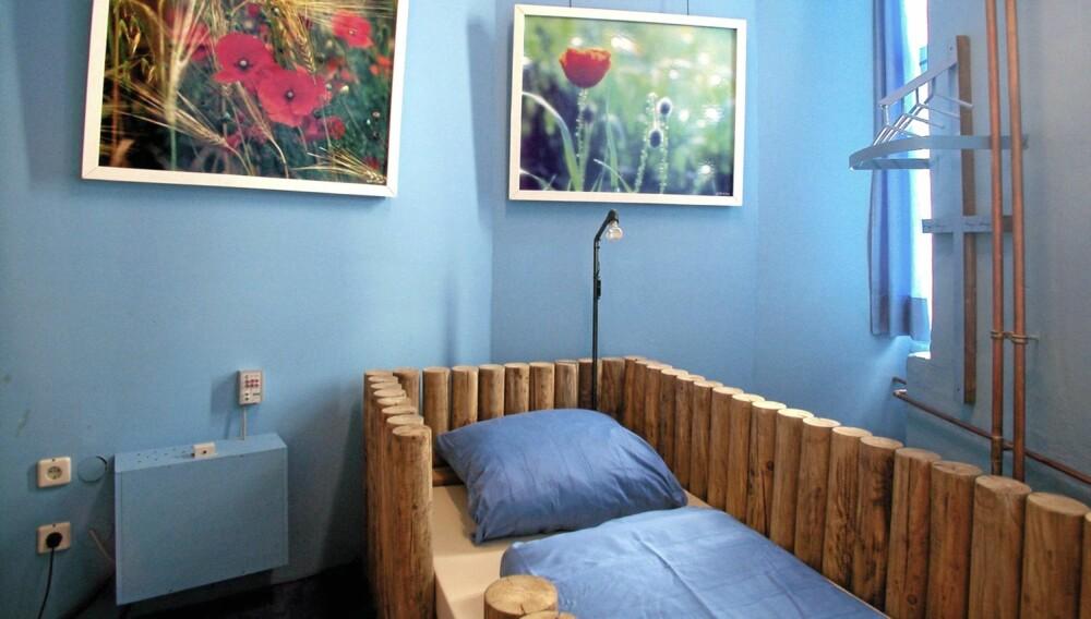 Medi-Terra: Smak av Middelhavet får du i dette rommet med asurblå farge. Rommet tilbyr plass til bare én person. Pris: 69 euro.