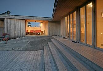 SKJERMET UTEPLASS: Den gamle hytta okkuperte et granittgulv som i dag utgjør et naturlig tun.