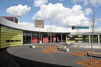 SKOLEGÅRDEN: Juryen mener at utområdene på Gjerdrum ungdomsskole har høy kvalitet for variert bruk.