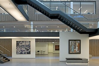 FORBILLEDLIG:. Juryen mener at Storebrands næringsbygg Lysaker Park kan være et forbilde for mange andre. Det har høy tilgjenglighet for alle typer brukere, miljøvennlighet og flott interiørarkitektur.