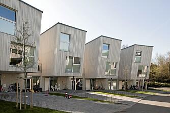 LEKENT OG MILJØVENNLIG: Marilunden-boligene har et arkitektonisk, lekent overskudd. Husene har lavt energiforbruk og miljøvennlig materialer.