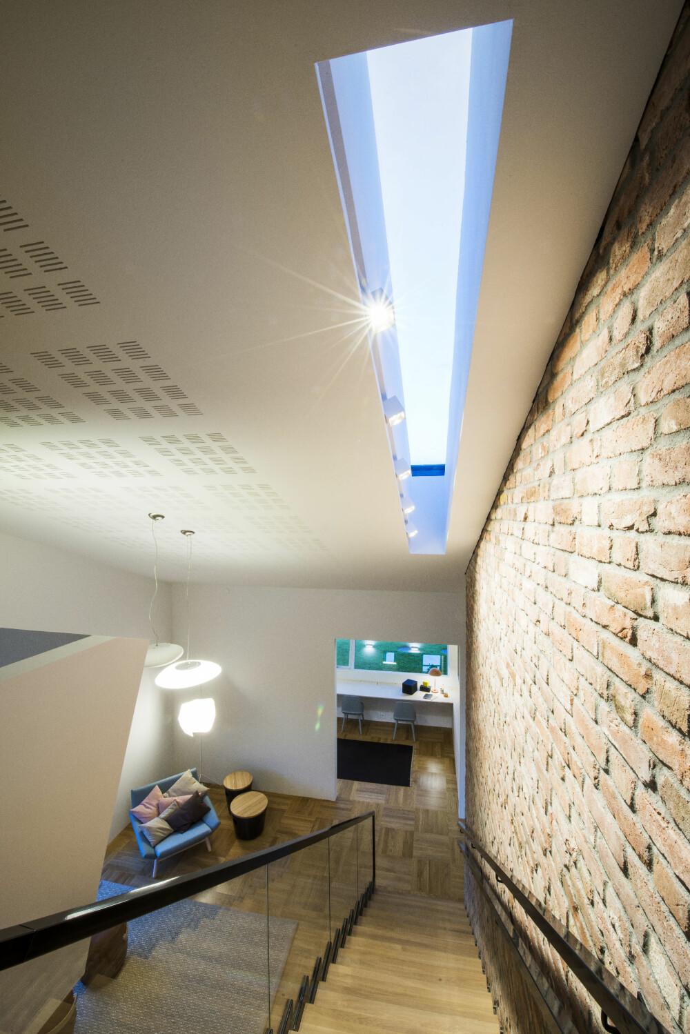 VARMELAGRING: Det var avgjørende å bruke materialer som hadde en god varmelagringsevne, derfor ble det blant annet brukt mursten innvendig på noen av veggene.