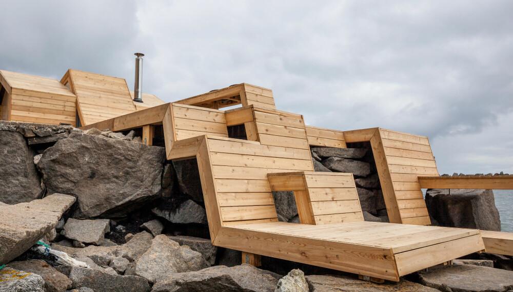 ANNERLEDESBADSTUE: Denne badstuen, som befinner seg på Kleivan i Lofoten, er tegnet og bygget av studenter ved Arkitektur- og designhøyskolen i Oslo. Den består av et badstuebygg og tre bånd som løper ned over svaberget. Derav navnet The Bands.