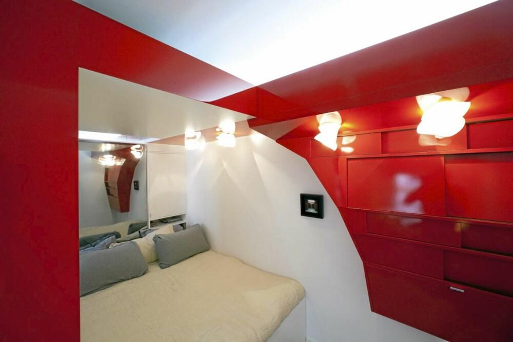 SOVEPLASS: Den koselige sovekroken kan være både åpen og lukket etter behov.