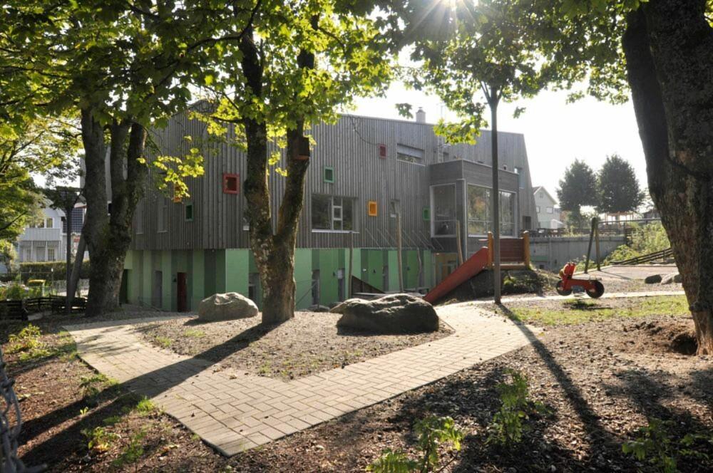 SYKKELSTI: I barnehagen er det anlagt en sykkelsti som går fra nord til syd.