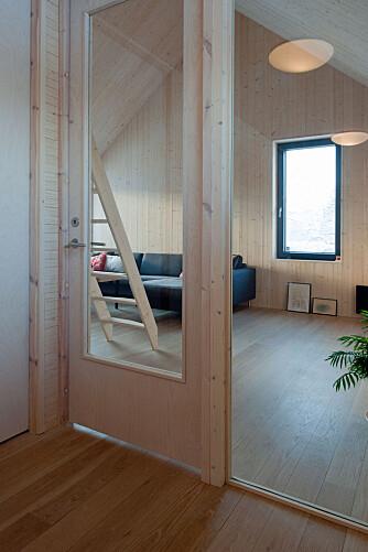 ALLROM: Huset har to allrom, ett i hver etasje. Her fra rommet i annenetasje.