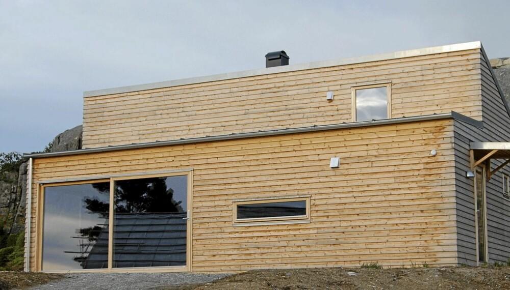 WOODY PÅ VESTLANDET: Denne visningshytta etter Woody-prinsippet ligger på Kråko Sjøhusområde i Fitjar ved Bergen. Den har mere komfort enn den første ved Drøbak.