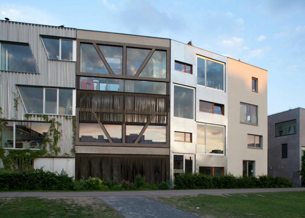 GRENSELAND: Det moderne byhuset ligger i det området som ble regnet som ingenmannsland mellom øst- og vest-siden av Berlin mens den Kalde Krigen pågikk.