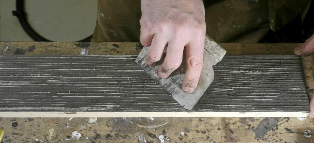 Stålsparkel: Skrap over med en stålsparkel