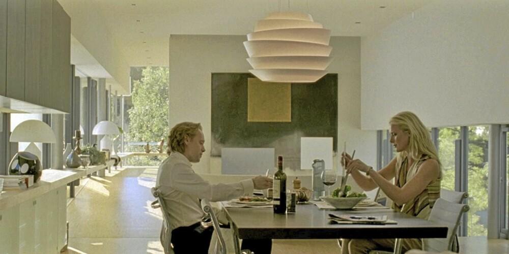 VELMØBLERT HJEM: Møblene som ble brukt i filmen Hodejegerne auksjoneres nå bort.