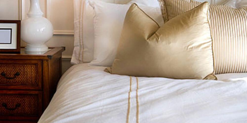 INNBYDENDE: Det hjelper lite med lekkert sengetøy om madrassen din er full av svette og skitt.