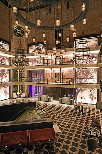 LUKSUS: Lobbyen på Libert Hotel var en gang atriumet i det gigantiske Charles Street Jail.