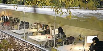 Arkitektkontoret i Madrid er omgitt av vakker natur.