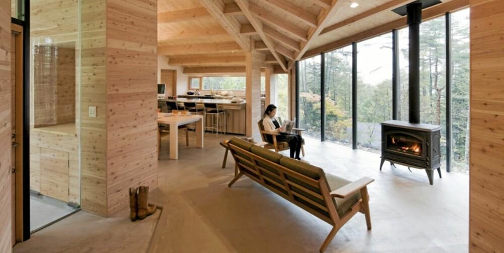 BOLIGDRØM: Huset ligger i fjellregionen Karuizawa i Japan som ligger cirka én times togtur fra Tokyo. Prosjektet sto ferdig i oktober 2010. Grunnflaten er på cirka 178 kvadratmeter.