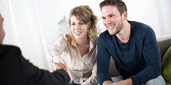 FINN MAKS BUD: Er dere et par er det lurt å bli enige om en makspris på forhånd - før budrunden.