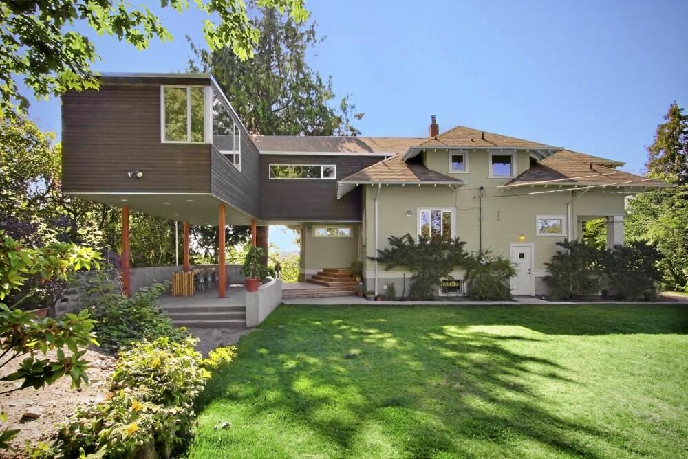 TILBYGG: Det nye tilbygget har en funkisstil mens det opprinnelige huset er en tradisjonell villa fra 1920