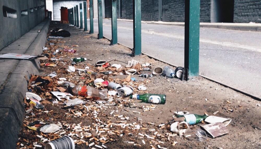 FORSØPLING: Har du mye søppel i nabolaget ditt, bør du være oppmerksom på én ting.